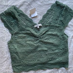 NWT Short sleeve lace green crop top